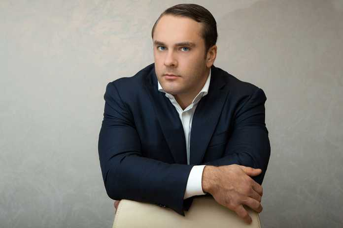 Петров Антон Геннадьевич