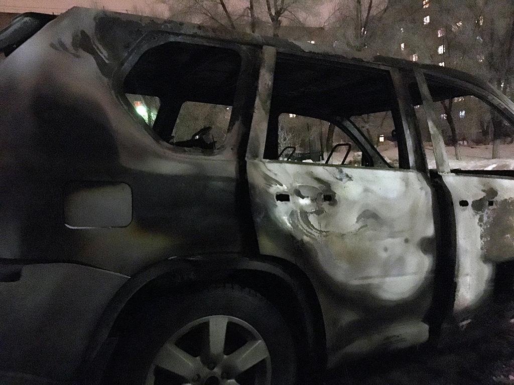 Сгоревший 11 февраля 2016 г. автомобиль Nissan X-trail Фото: Орен.Ру