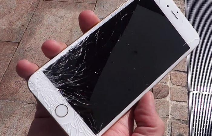 Страховая возместит оренбуржцу стоимость разбитого Айфона