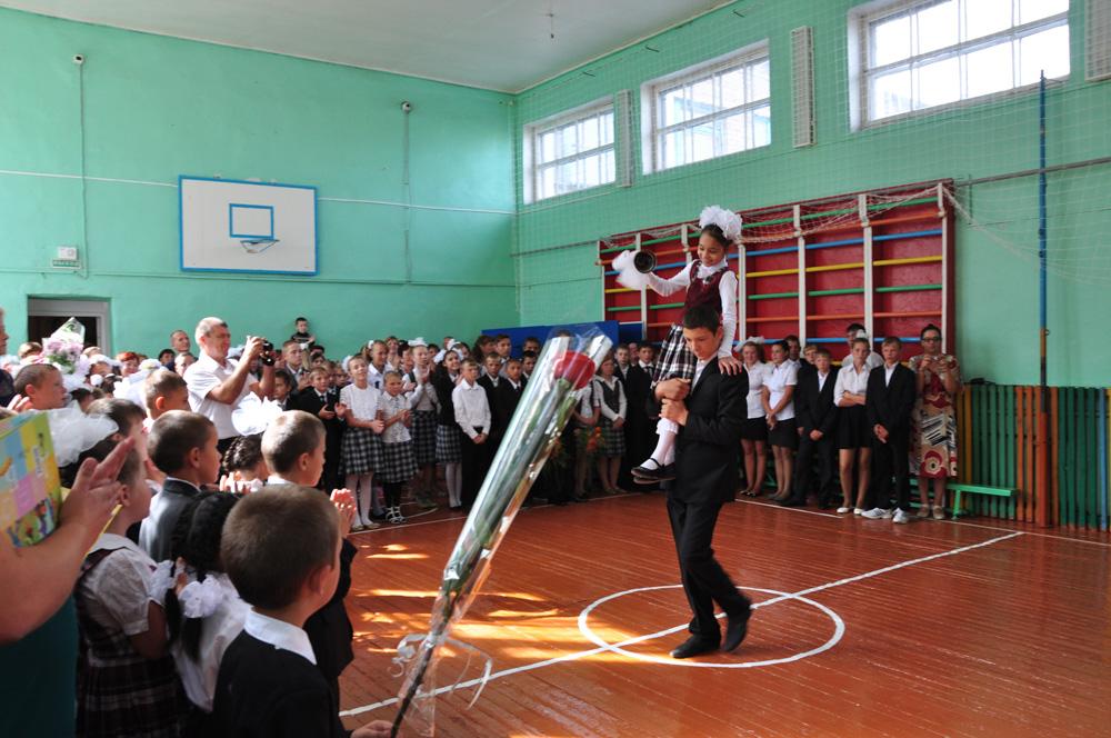 Школа-интернат в селе Черный Отрог