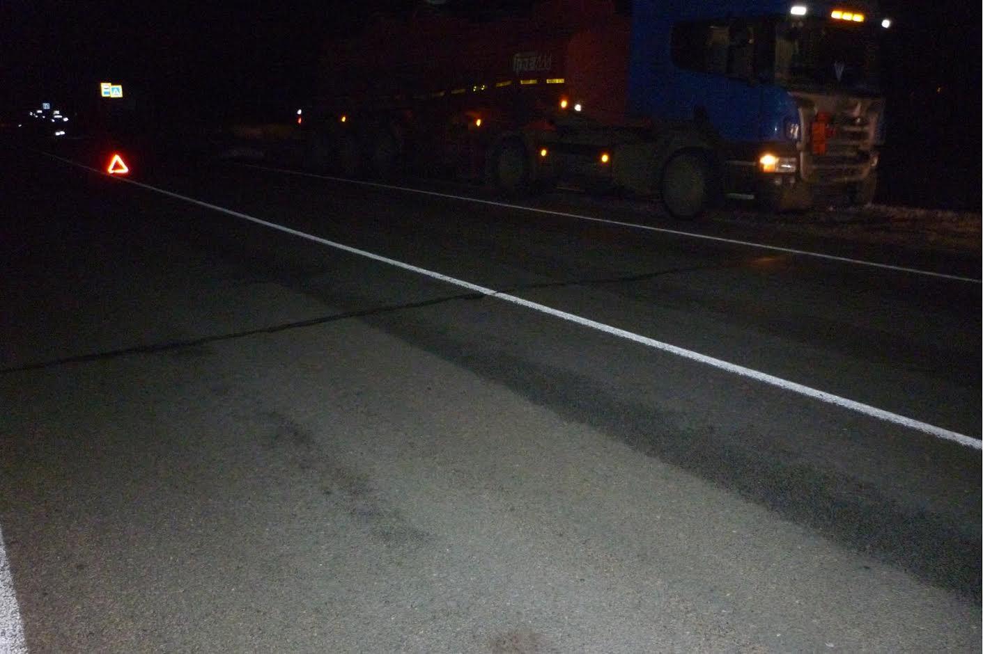 В районе села Никольское неизвестный мужчина погиб под колесами грузовика