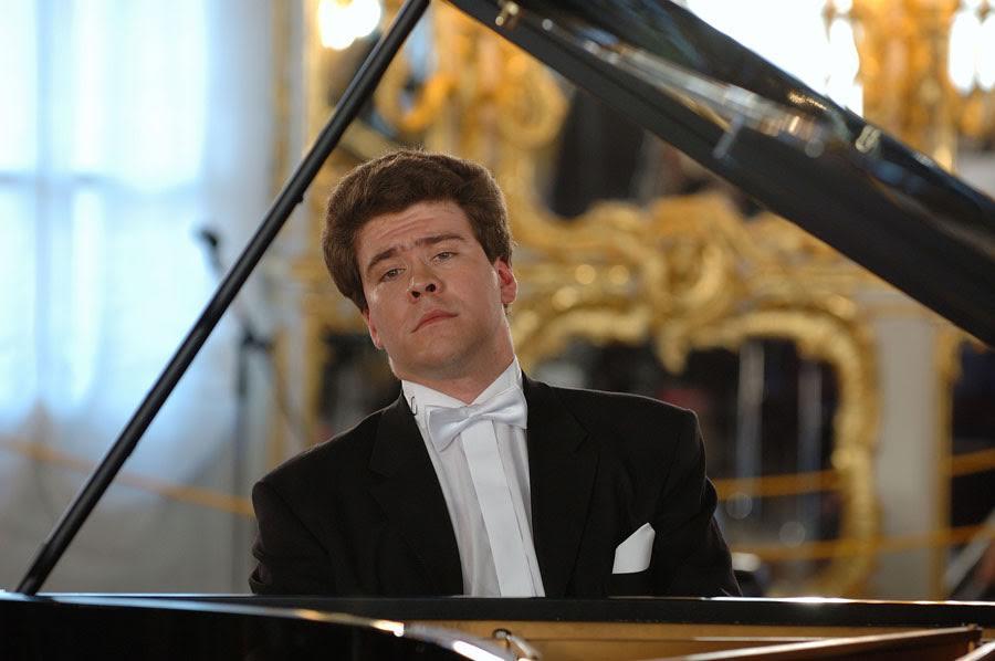 Денис Мацуев презентовал новые рояли «Yamaha» вДК Медногорска исела Октябрьское