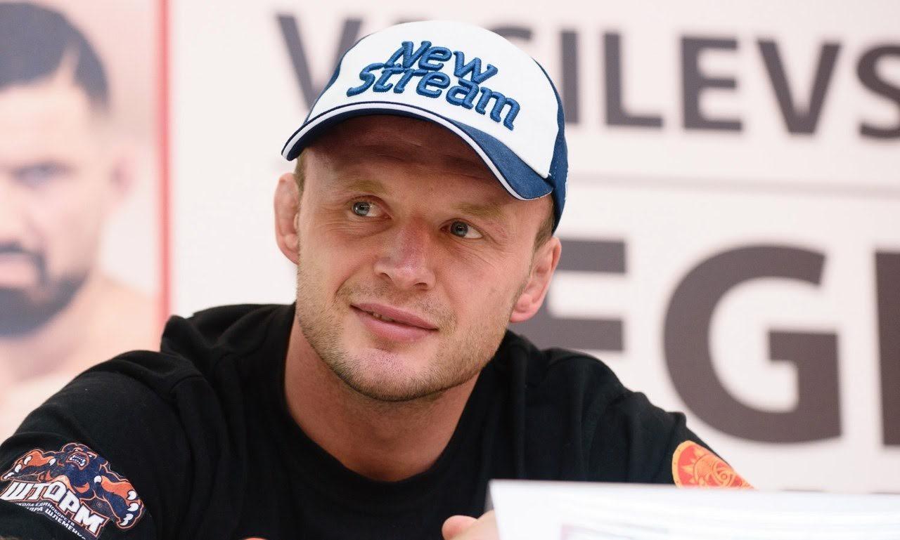 Оренбуржец Дамир Исмагулов завоевал титул чемпиона М-1 влегком весе