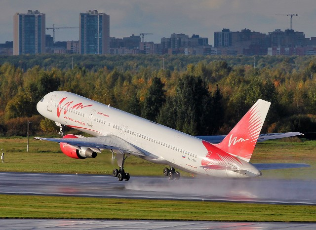 Пассажиров «ВИМ-Авиа» возвратят из-за границы компании «Ямал» иEllinAir