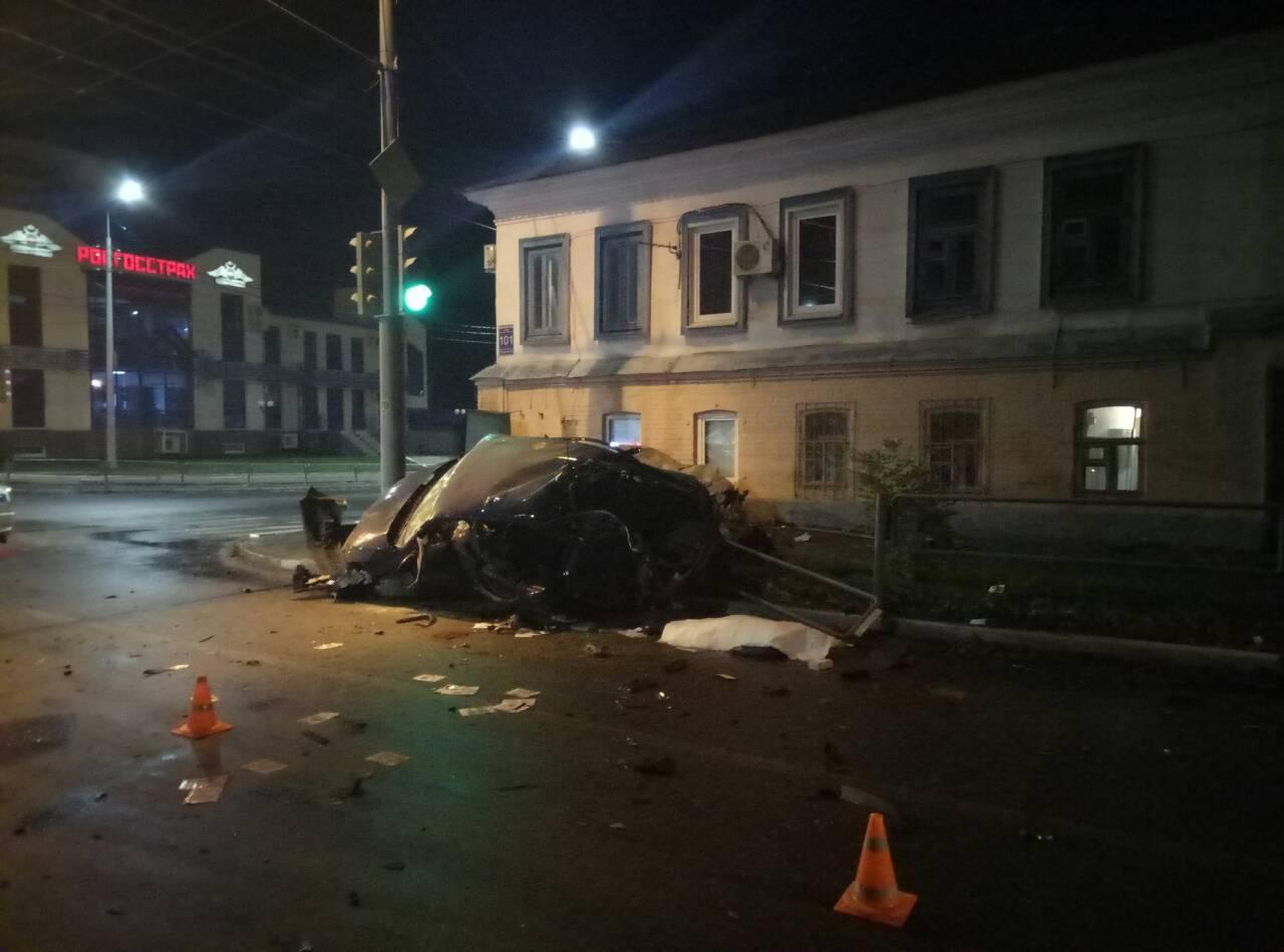 Одна погибла итрое пострадали: вцентре Оренбурга столкнулись Рэно и Шкода