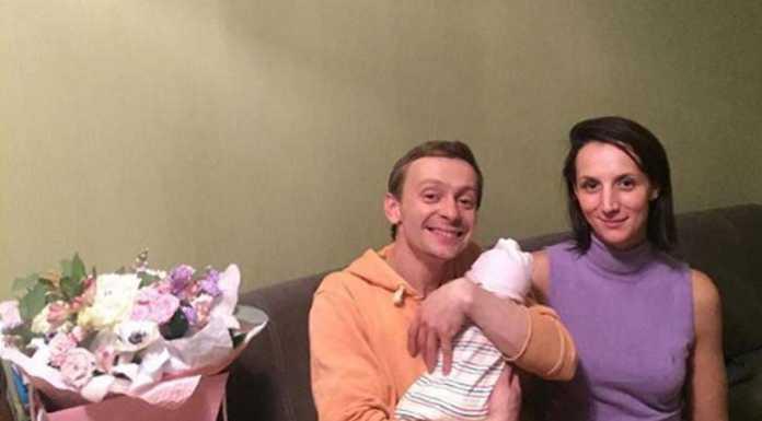 У актера Евгения Кулакова родилась дочь.