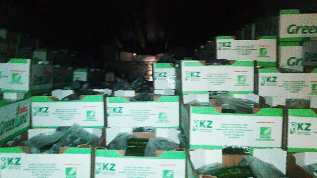 ВОренбуржье нелегально пытались ввезти неменее 2 тонн плавленого сыра
