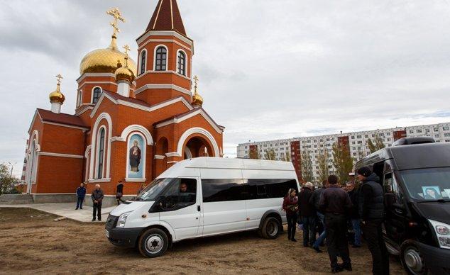 Похороны убитых девушек в Волжском фото видео