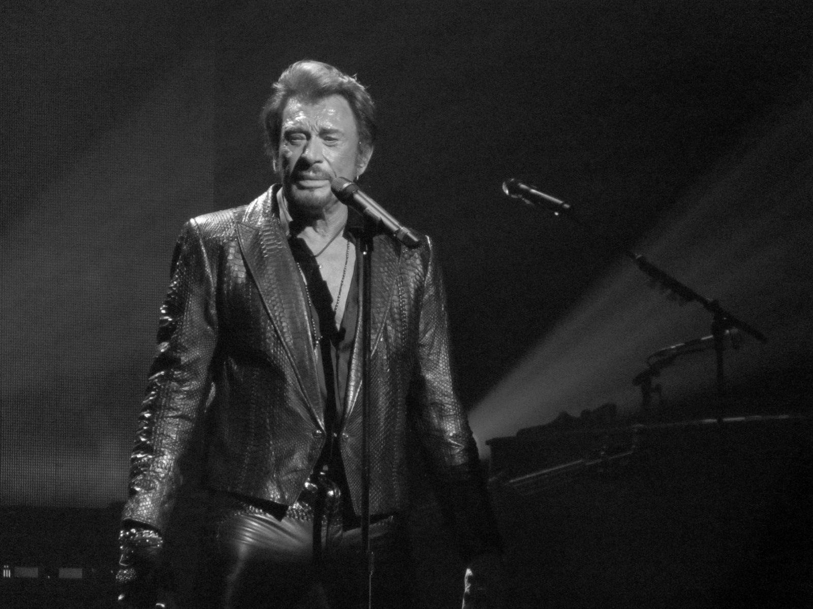 Французский рокер Джонни Холлидей скончался на75 году жизни