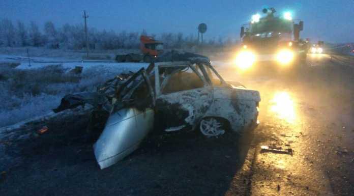 Три человека сгорели в автомобиле, который попал в ДТП
