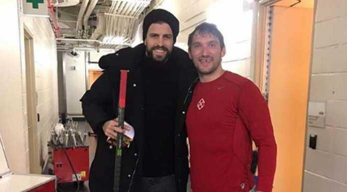Александр Овечкин снялся в обтягивающих лосинах в обнимку с испанским футболистом Жераром Пике