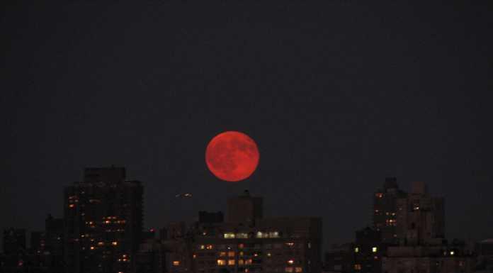 В январе лунное затмение впервые за 150 лет совпадет с «голубой луной»