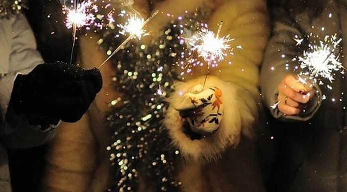 Бенгальские огни праздник фейерерк