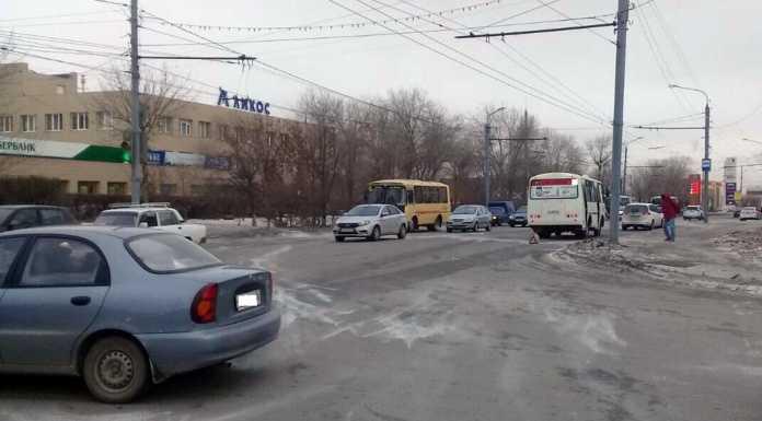 ДТП в Оренбурге. маршрутный пазик сбил молодую женщину