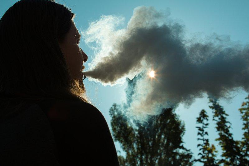 Ученые поведали овреде электронных сигарет для иммунной системы