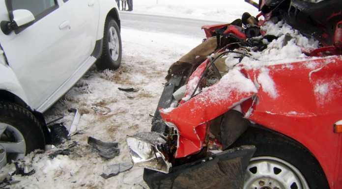 ВАЗ и Renault столкнулись лоб в лоб. Пострадали 4 человека
