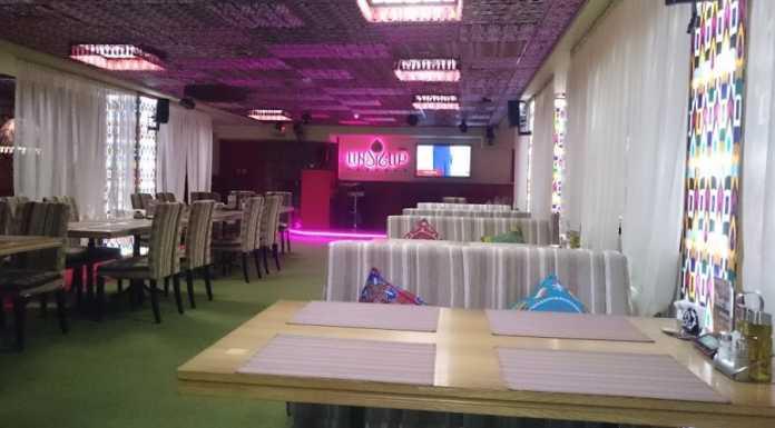 В кафе центре Оренбурга три человека получили ножевые ранения
