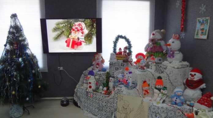 Более 30 снеговиков представили на конкурс посетители Матвеевского народного музея