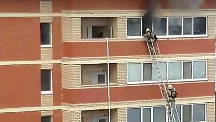 12 февраля в Оренбурге загорелась квартира, погибли 2 детей и 2 взрослых