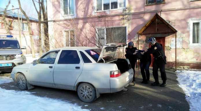 Двое оренбуржцев пытались украсть чугунные батареи из расселенного дома