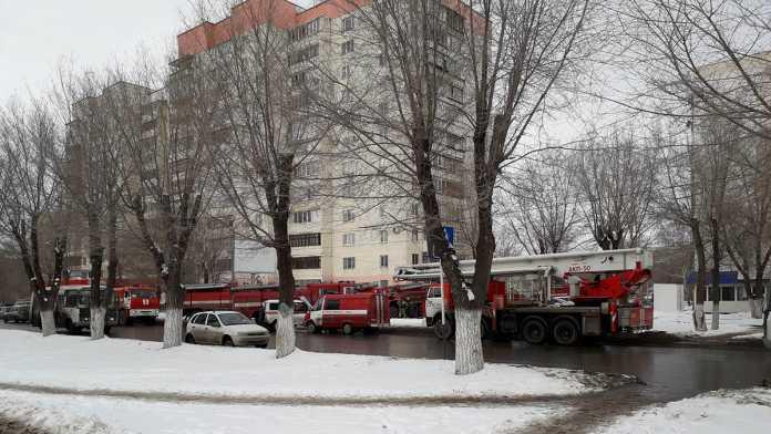 Вновь крупный пожар произошел в многоэтажном доме в Оренбурге