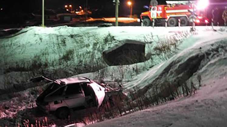 Легковой автомобиль столкнулся с поездом в Оренбуржье, один человек погиб