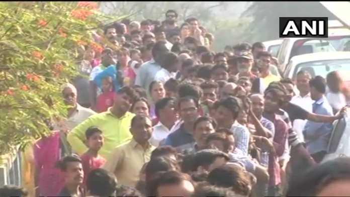 Похороны Шридеви: Тело Шридеви доставили для прощания в Мумбай
