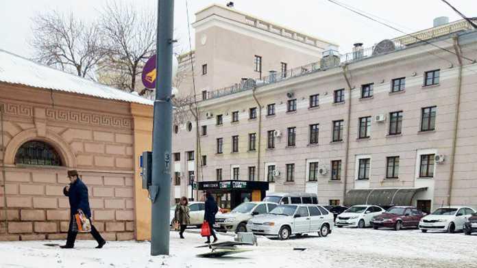 В центре Оренбурга упал светофор