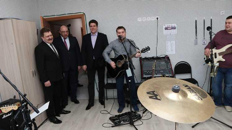 В Новотроицке после реконструкции открыта Детская школа искусств