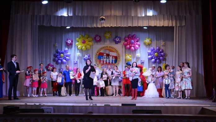 В Оренбурге прошел XI городской фестиваль многодетных семей «Наша дружная семья»
