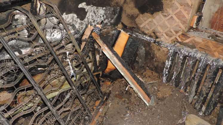 Узнав об измене мужа, женщина сожгла его дом