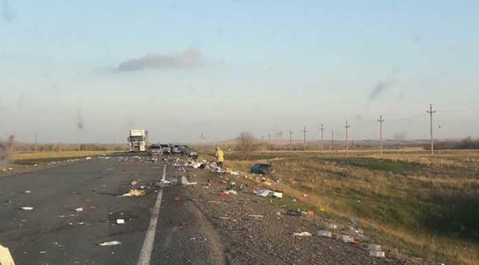 На трассе Оренбург - Орск произошло серьезное ДТП, в котором никто не пострадал
