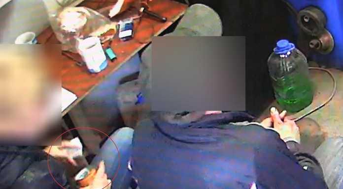 41-летний работник шиномонтажки украл более 15 тысяч рублей