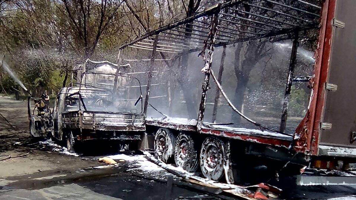 Фура и «Газель» выгорели после столкновения