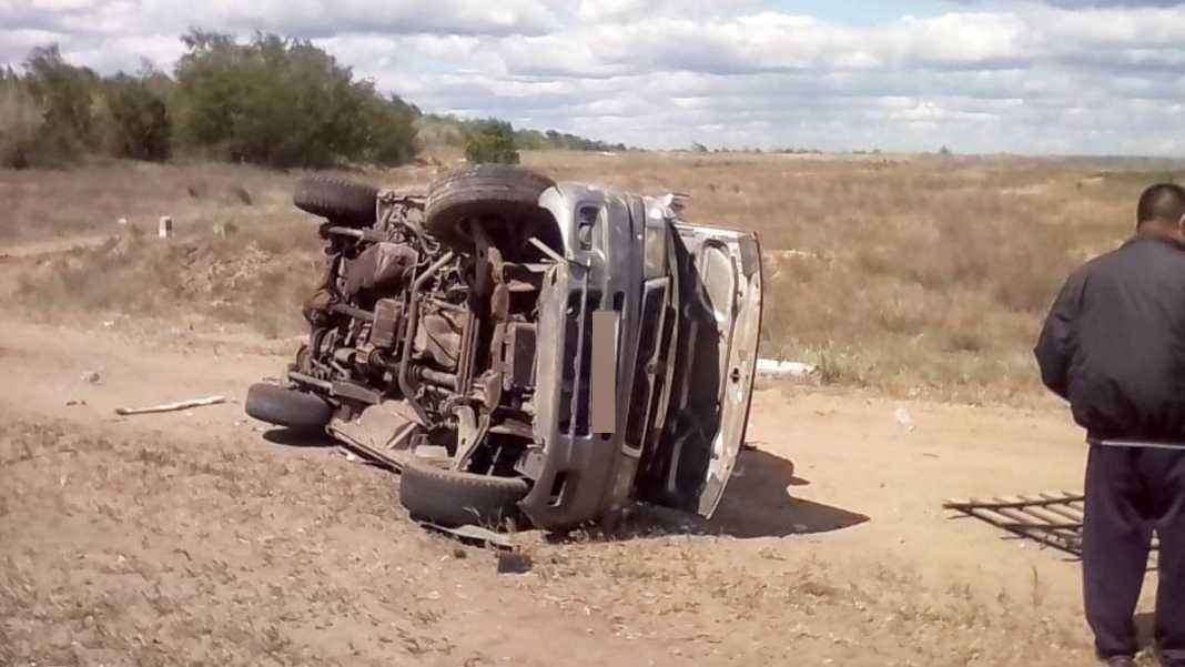 Под Соль-Илецком перевернулся микроавтобус с шестью пассажирами