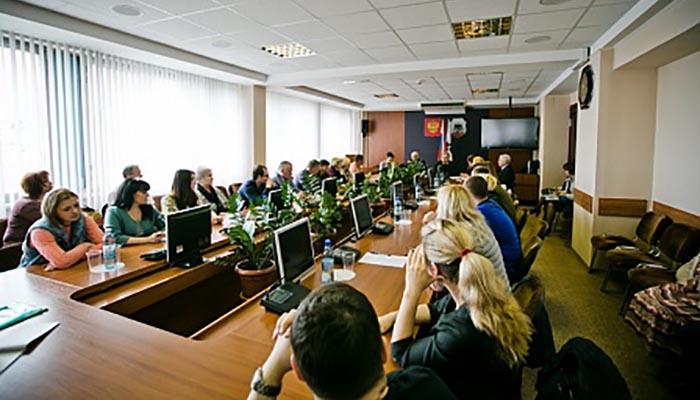 Юрий Берг: «О работе с семьями оренбуржцев, погибших при крушении Ан-148, мне докладывают ежедневно»