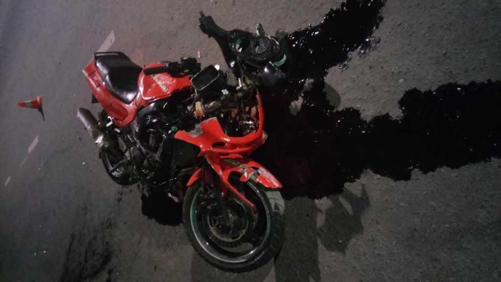 Мотоциклист погиб после удара о бордюрный камень