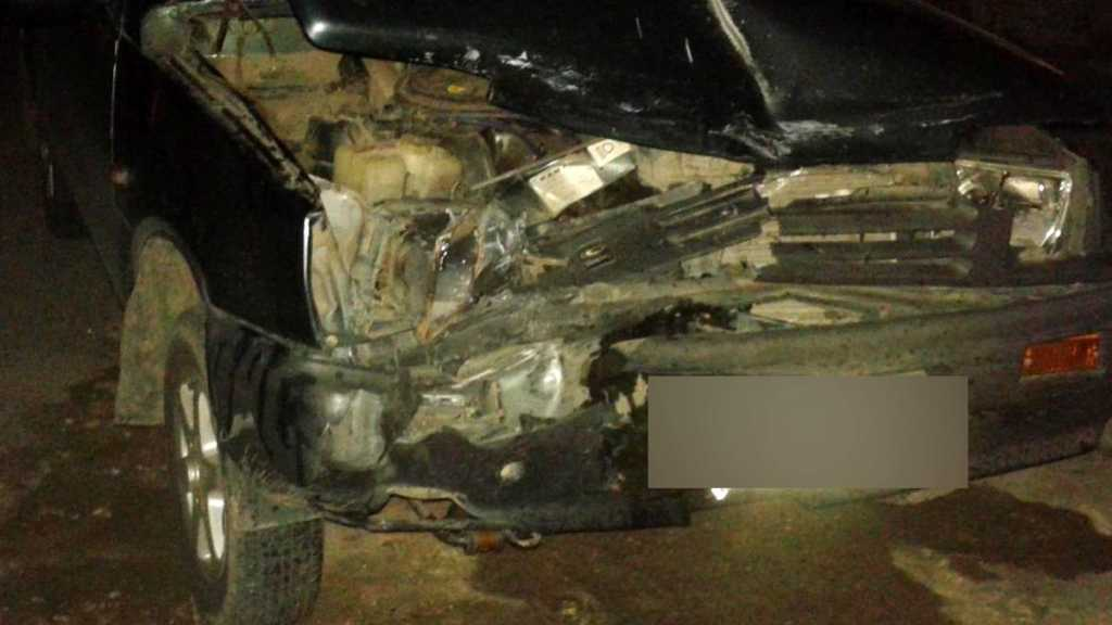 В лобовом столкновении двух «легковушек» пострадал водитель «Оки»