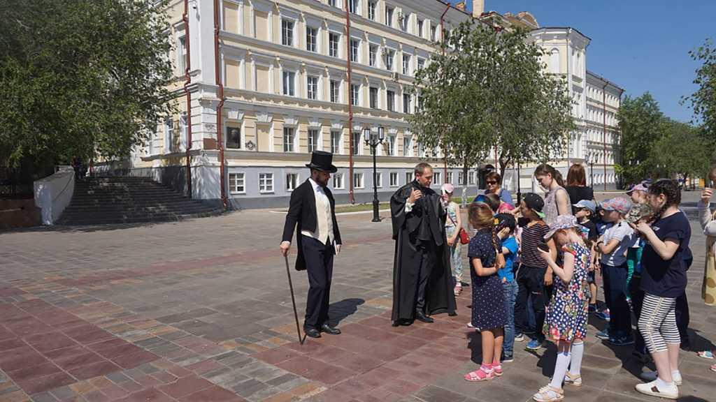 На оренбургской набережной гуляли Пушкин и Даль