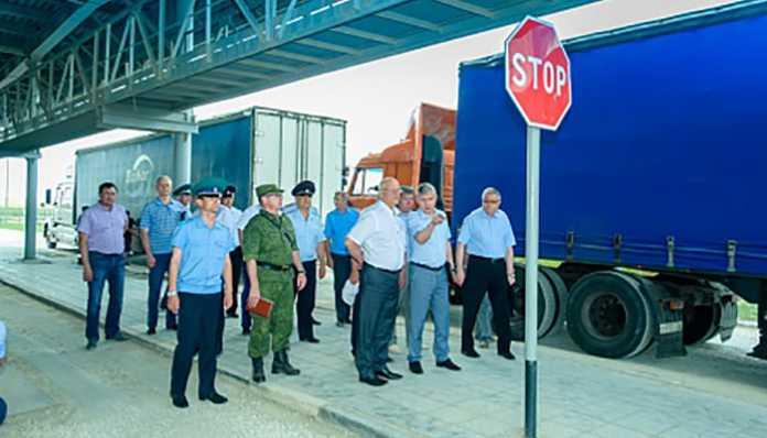 Юрий Берг провел выездное совещание на пограничном пункте пропуска Маштаково