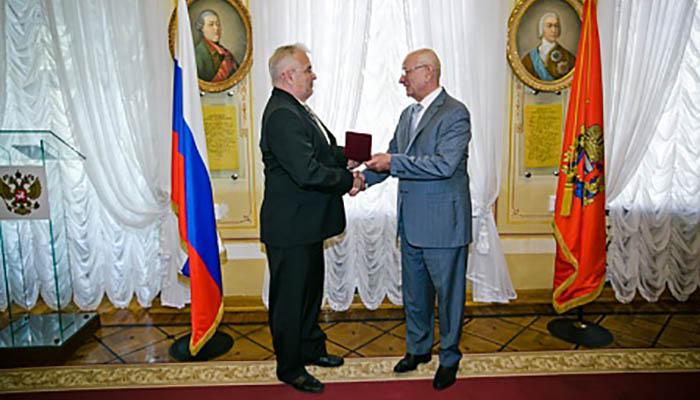 7 августа, в Оренбурге состоялась церемония вручения государственных наград труженикам Оренбуржья, отмеченным Указом Президента Российской Федерации Владимира Путина.