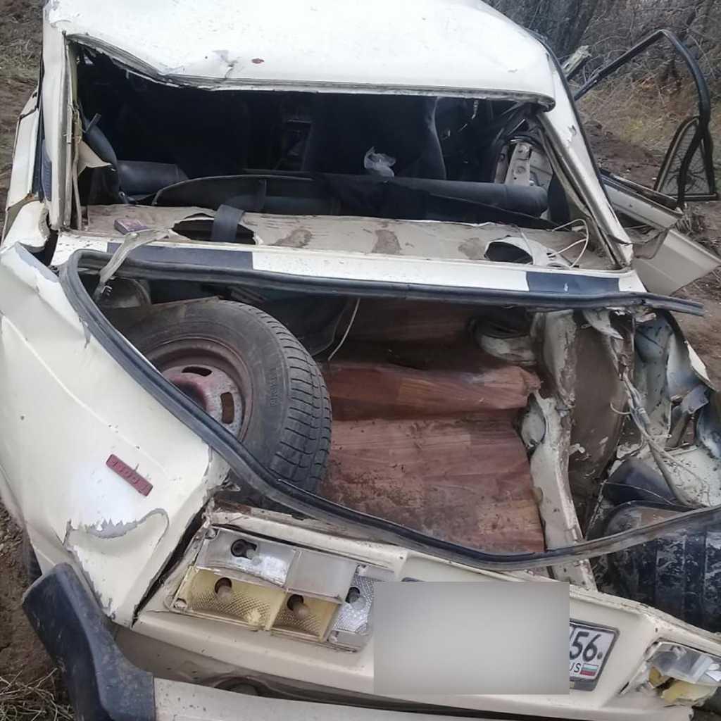 «Сломаны череп и бедро»: двое парней госпитализированы после ДТП