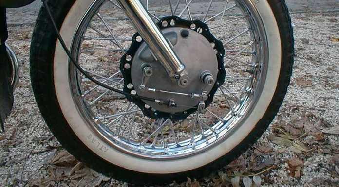 Мотоциклист погиб под колесами своего байка