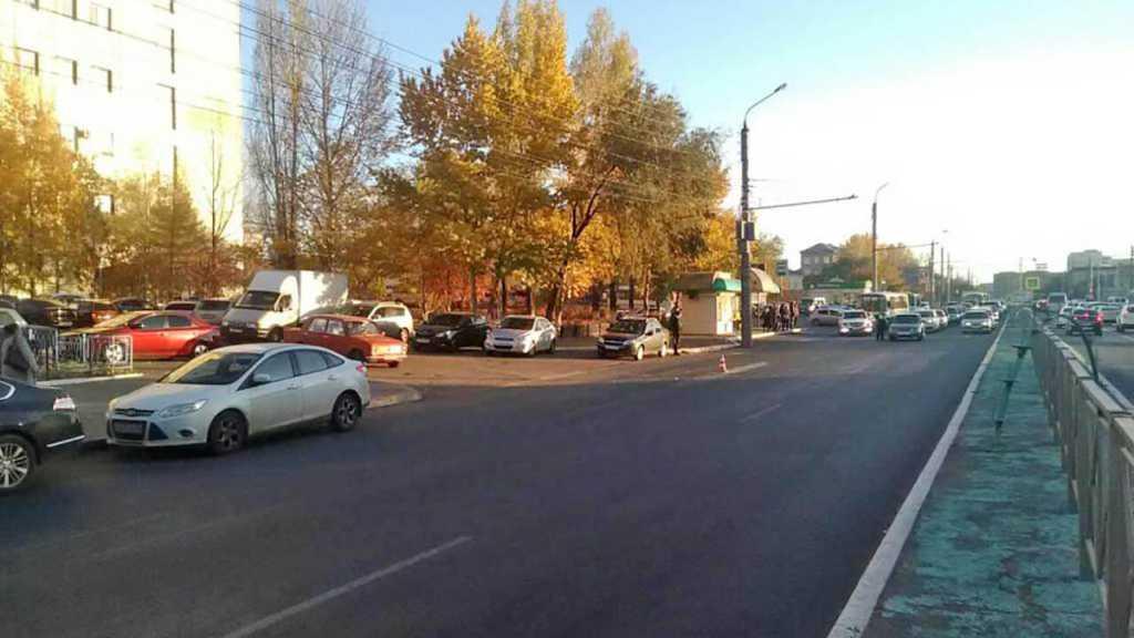 Крупное ДТП на Терешковой. Столкнулись 4 автомобиля