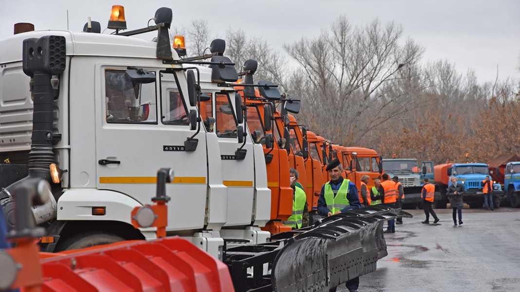 Администрация: в Оренбурге спецтехника к зиме готова