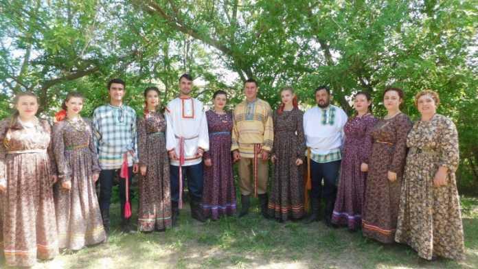 Народный самодеятельный фольклорный ансамбль «Млада»