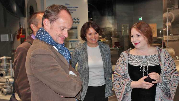 В Оренбуржье отметили 15-летие визита Мориса Дрюона в Оренбург