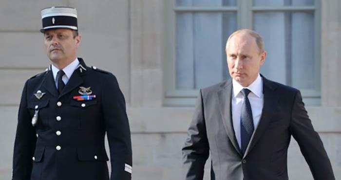Президент Российской Федерации прибыл в Париж на мероприятия в честь 100-летия окончания Первой мировой войны.