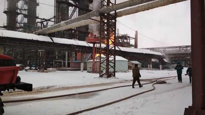 В Стерлитамаке на заводе «Синтез-каучук» произошел сильный пожар