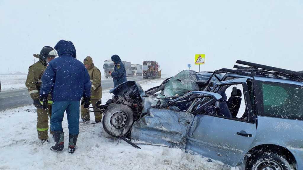 Под Оренбургом столкнулись MAN и Volkswagen